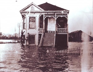 The 1904 Edwards Break flood isolated the Pocket home of Manuel Seamas. / Photo courtesy of PHCS
