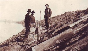 Workmen on the Riverside-Pocket levee are shown in this early 1920s photograph. / Photo courtesy of PHCS