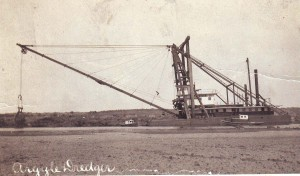 The Dredger Argyle, shown in about 1915, was one of the dredgers that worked to raise the level of the levee in the Pocket area. / Photo courtesy of PHCS