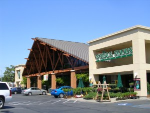 "Whole Foods Market partnered with the Sacramento Food Bank & Family Services and the non-profit EarthSave organization to sponsor a ""Meals for Health"" program that taught low-income Sacramento residents how to improve their lives through healthier food choices and exercise. / Valley Community Newspapers photo, Susan Laird"