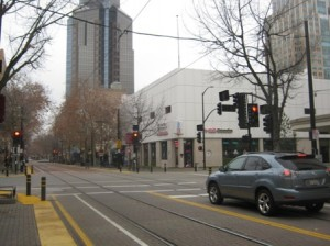 DRIVERS AND PEDESTRIANS need to be on the lookout for one another, now that K Street is open to motorized vehicles. Sacramento police are issuing traffic warnings to the unwary. / Valley Community Newspapers photo, Elizabeth Valente