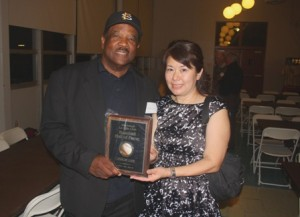 HONORED. LeRon Lee shows off his La Salle Club Baseball Hall of Fame award with his wife, Vicquie Lee. / Valley Community Newspapers photo, Lance Armstrong