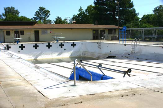 The Carmichael Park pool is shown in its abandoned state in this 2009 photograph. Photo by Lance Armstrong