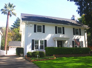 Arthur Serviss Dudley resided in this Fabulous Forties home at 1445 42nd St., just north of today's East Lawn Children's Park, from 1928 to 1929. Photo by Lance Armstrong