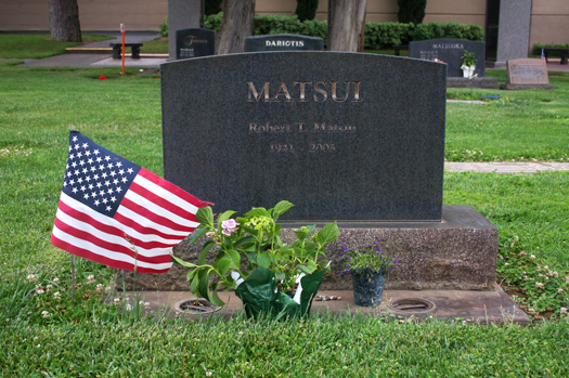 An American flag adorns the gravesite of Robert T. Matsui at East Lawn Memorial Park. Photo by Lance Armstrong