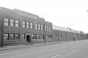 The old Libby, McNeill & Libby cannery complex extends from Alhambra Boulevard to 33rd Street along Stockton Boulevard. Photo by Lance Armstrong
