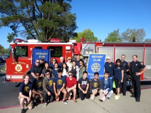 Students at John F. Kennedy High School and Sacramento Community College joined forces with the Pocket/Greenhaven Rotary and the Sacramento Fire Department Station 11 for a very special community service project on Saturday, April 5. They replaced smoke alarm batteries for about 20 of their neighbors.
