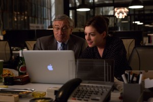 DeNiro and Hathaway. Charming comedy. Photo:Francois Duhamel- © 2015 WARNER BROS. ENTERTAINMENT INC.